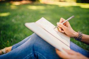 ¿Cómo nos ayuda psicológicamente el hábito de escribir?