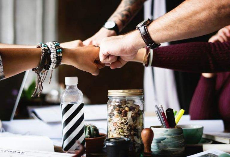 ¿Cómo conocer gente? 4 Consejos sencillos y útiles